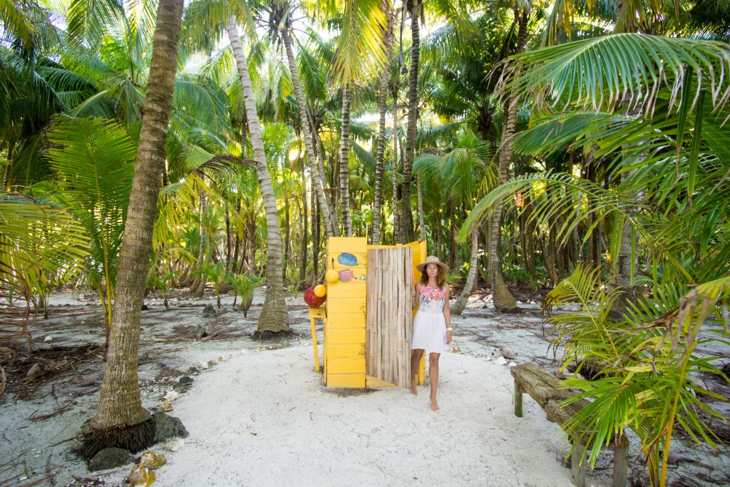 Glover's Reef Resort shower